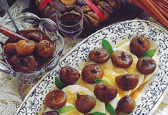 Poached Figs with Wine and Manouri Cheese